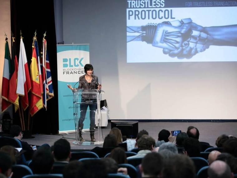 Primavera de Filippi, chercheuse au CNRS et à l'université d'Harvard, aborde en conclusion de notre conférence les problématiques juridiques soulevées par la blockchain, ainsi que les formes de gouvernance distribuée rendues possibles par cette technologie.